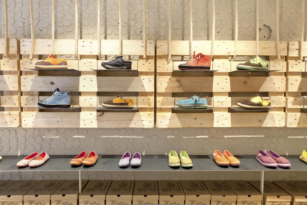 2013 - SoleRebels Shoe Store