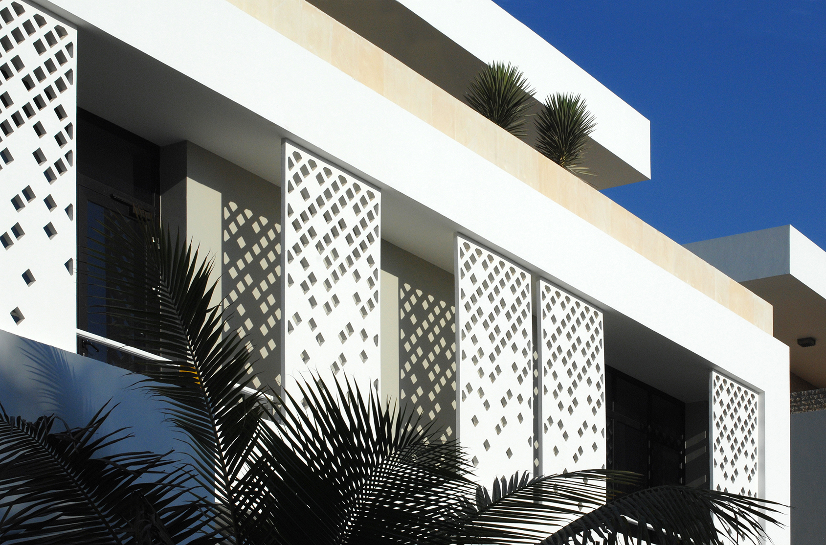 Four houses in jeddah dom arquitectura for Projects of houses