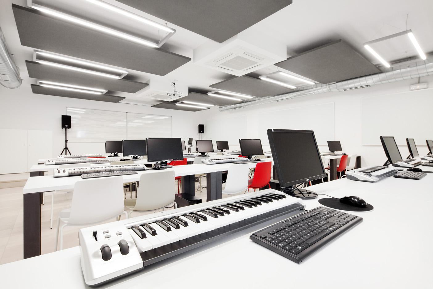 Music school taller de musics dom arquitectura for Arquitectura interior